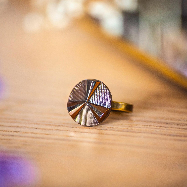 Petite bague Angèle bronze – bouton ancien – inspiration vintage