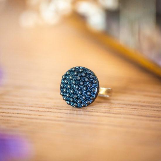 Assuna - Petite bague Bertille bleue - Petite bague bouton ancien d'inspiration vintage