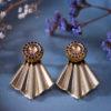Assuna - Boucles Comète Mathilde or - Boucles d'oreilles bouton ancien sur estampe en éventail
