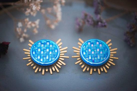 Assuna - Boucles Solare Mila - Boucles d'oreilles bouton ancien sur estampe solaire