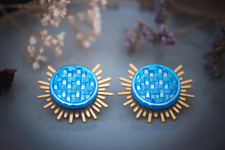 Assuna – Boucles Solare Mila – Boucles d'oreilles bouton ancien sur estampe solaire