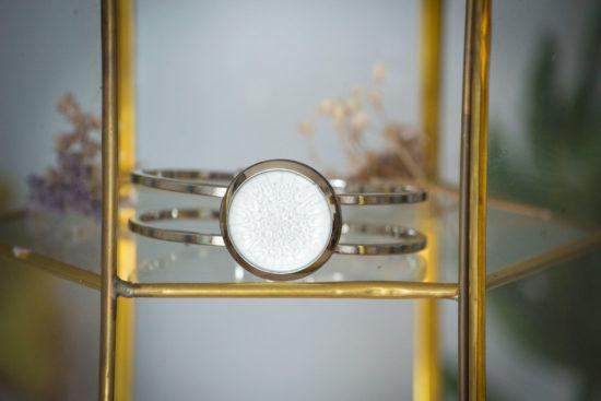 Assuna - Bracelets vintage Judith - bracelet rigide orné d'un bouton ancien