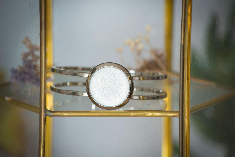 Assuna – Bracelets vintage Judith – bracelet rigide orné d'un bouton ancien