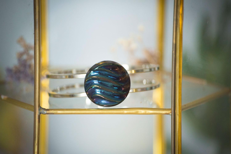 Assuna – Bracelet vintage Simone – bracelet rigide avec un bouton ancien