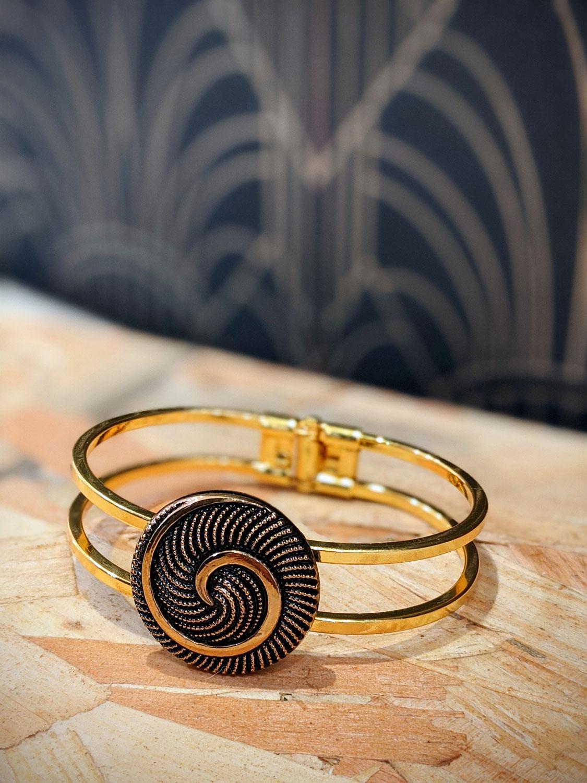 Assuna – Bracelet vintage Galatée art déco – bracelet rigide avec un bouton ancien
