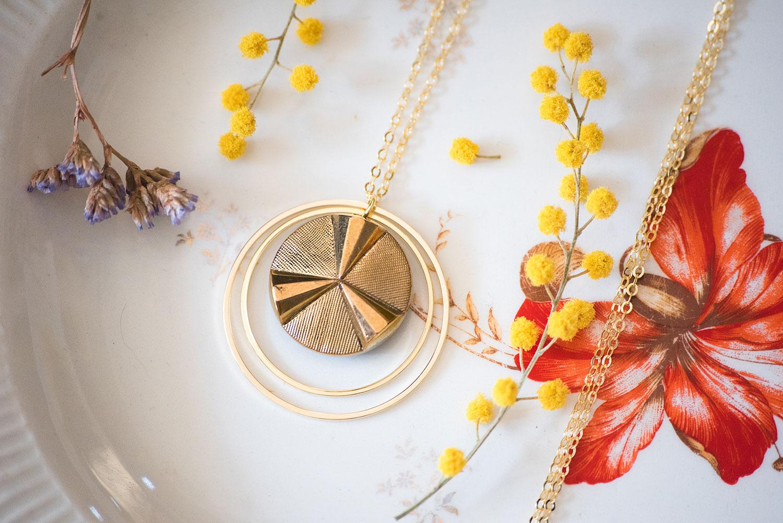 Assuna – Sautoir Lunare Angèle doré – inspiration vintage