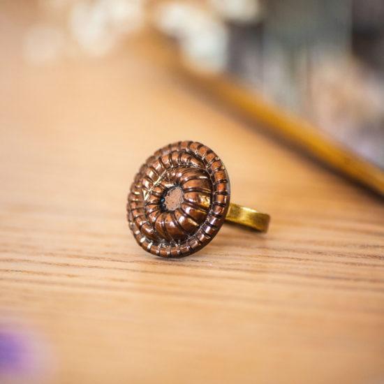 Assuna - Bague Faustine bronze - Bague bouton ancien d'inspiration vintage