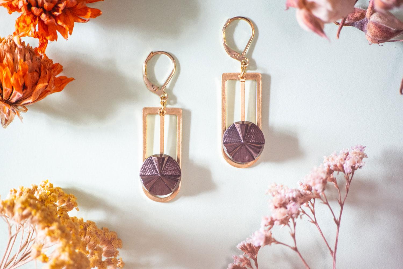 Assuna – Boucles Ysée Angèle bronze – bijoux léger géométrique bouton ancien inspiration vintage