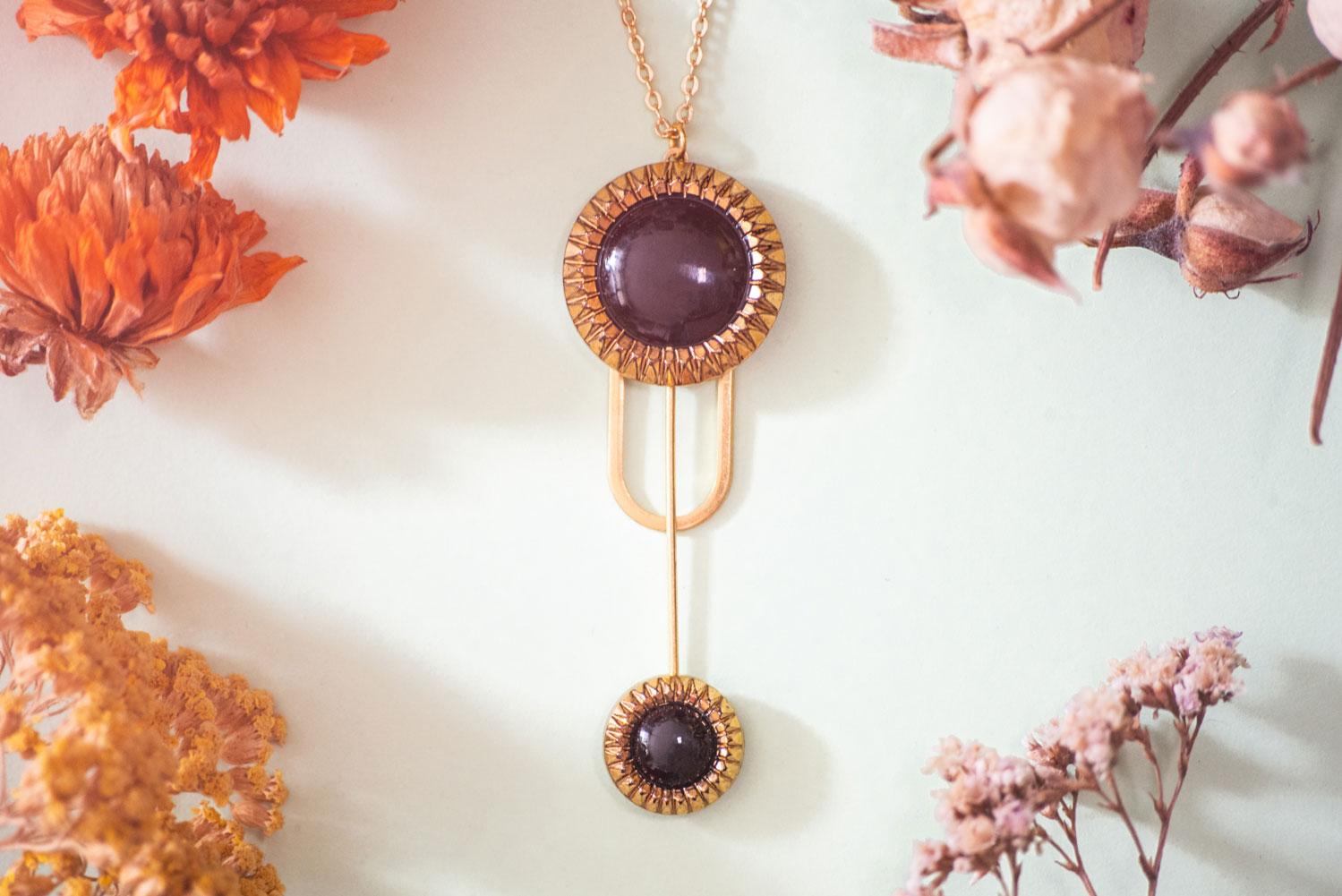 Assuna – Collier Ysée Eva – bijoux léger géométrique bouton ancien inspiration vintage