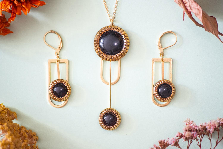 Assuna – Collier et boucles d'oreilles Ysée Eva – bijoux léger géométrique bouton ancien inspiration vintage –