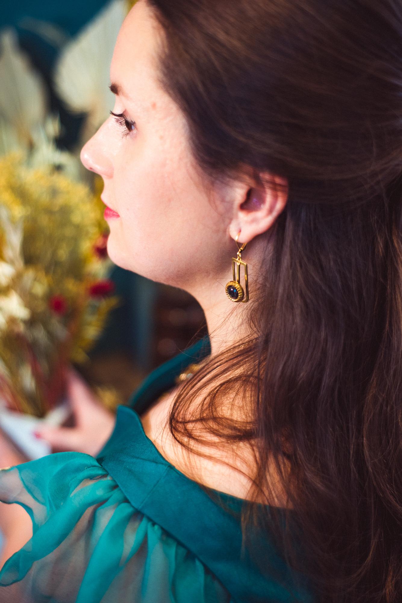 Assuna – Boucles Ysée Eva – bijoux léger géométrique bouton ancien inspiration vintage – look